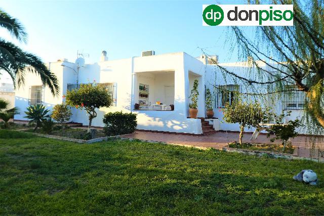 Imagen 1 Inmueble 237900 - Casa Aislada en venta en Almería / Retamar   Norte