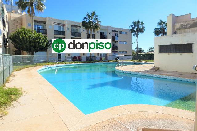 Imagen 1 Inmueble 238117 - Piso en venta en Almería / Junto a la Playa de Costacabana