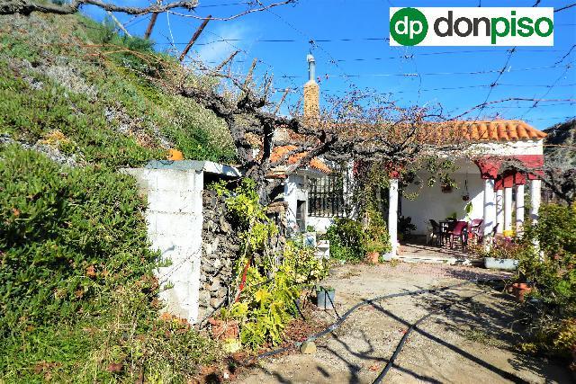 Imagen 1 Inmueble 239466 - Casa Rústica en venta en Canjáyar / A pocos minutos del centro del pueblo de Canjáyar
