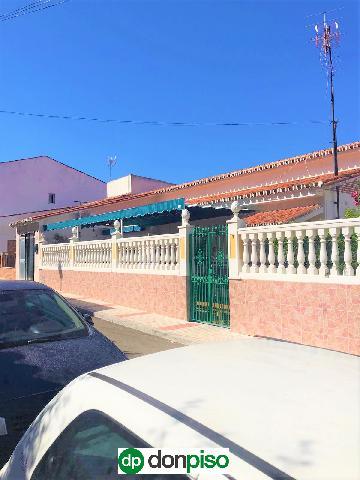 Imagen 1 Inmueble 239771 - Casa Aislada en venta en Málaga / Zona Puerto de la Torre cerca del Colegio Europa