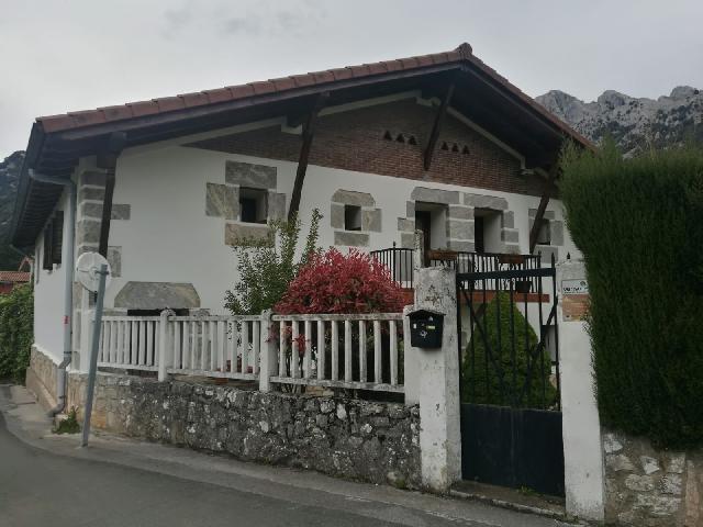 Imagen 1 Inmueble 223798 - Casa Rústica en venta en Mañaria / A los pies del Monte Urkiola