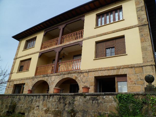 Imagen 1 Inmueble 238882 - Piso en venta en Zaldibar / En la Avenida Bilbao
