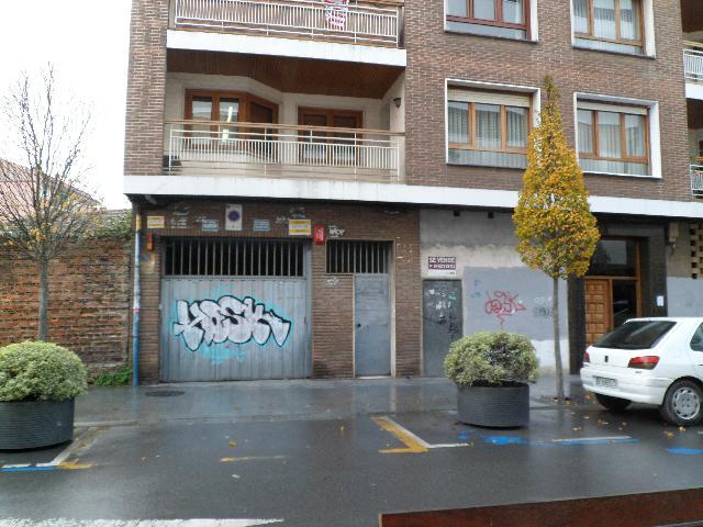 Imagen 1 Inmueble 247179 - Parking Coche en venta en Durango / En la avenida Montevideo