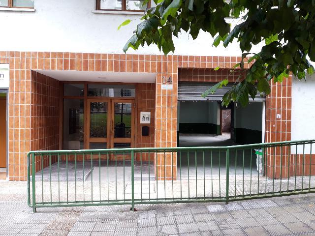 Imagen 1 Inmueble 252332 - Local Comercial en venta en Amorebieta-etxano / En el barrio Jauregizahar