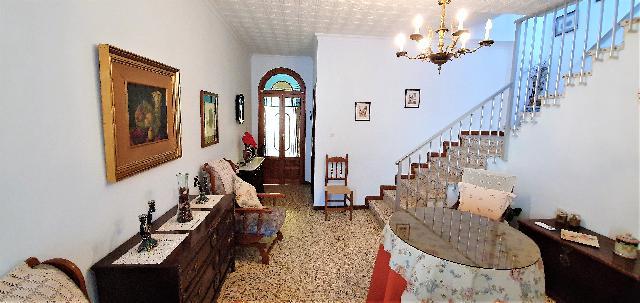 Imagen 1 Inmueble 228744 - Casa en venta en Montellano / A 5 minutos del centro del municipio.