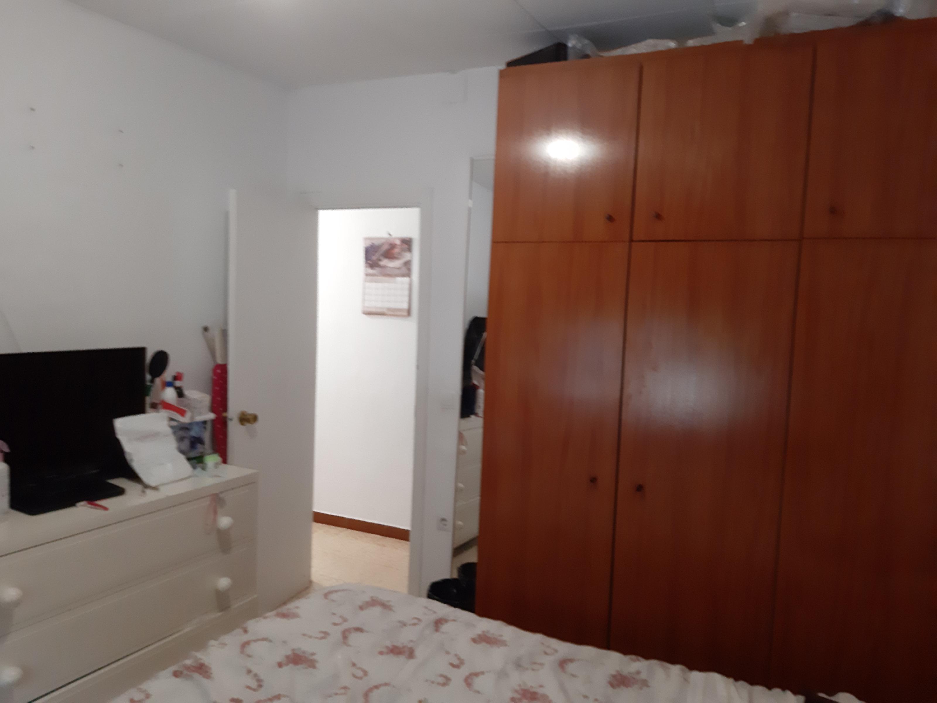 Imagen 4 Piso en venta en Santa Coloma De Gramenet / Cerca zona rambla fondo