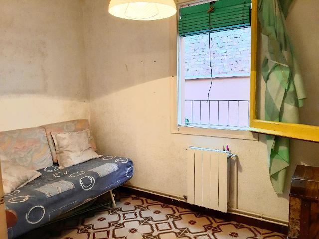 Imagen 1 Inmueble 229474 - Piso en venta en Santa Coloma De Gramenet / A cinco minutos metro Can Peixauet