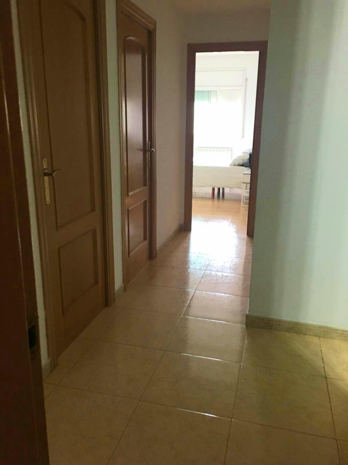 Imagen 4 Piso en venta en Santa Coloma De Gramenet / Zona Safaretjos