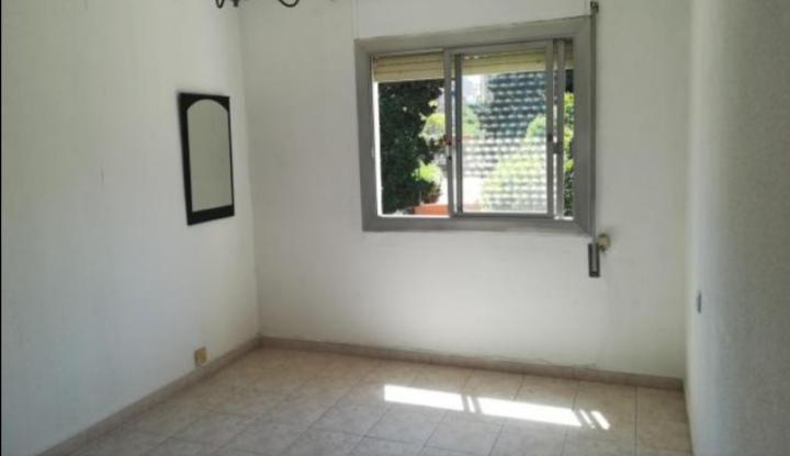 Imagen 1 Piso en venta en Santa Coloma De Gramenet / Piso de 3 habitaciones  con balcón totalmente ...