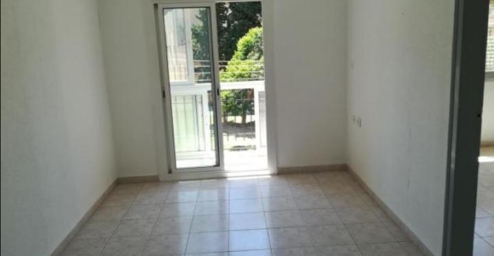 Imagen 4 Piso en venta en Santa Coloma De Gramenet / Piso de 3 habitaciones  con balcón totalmente ...
