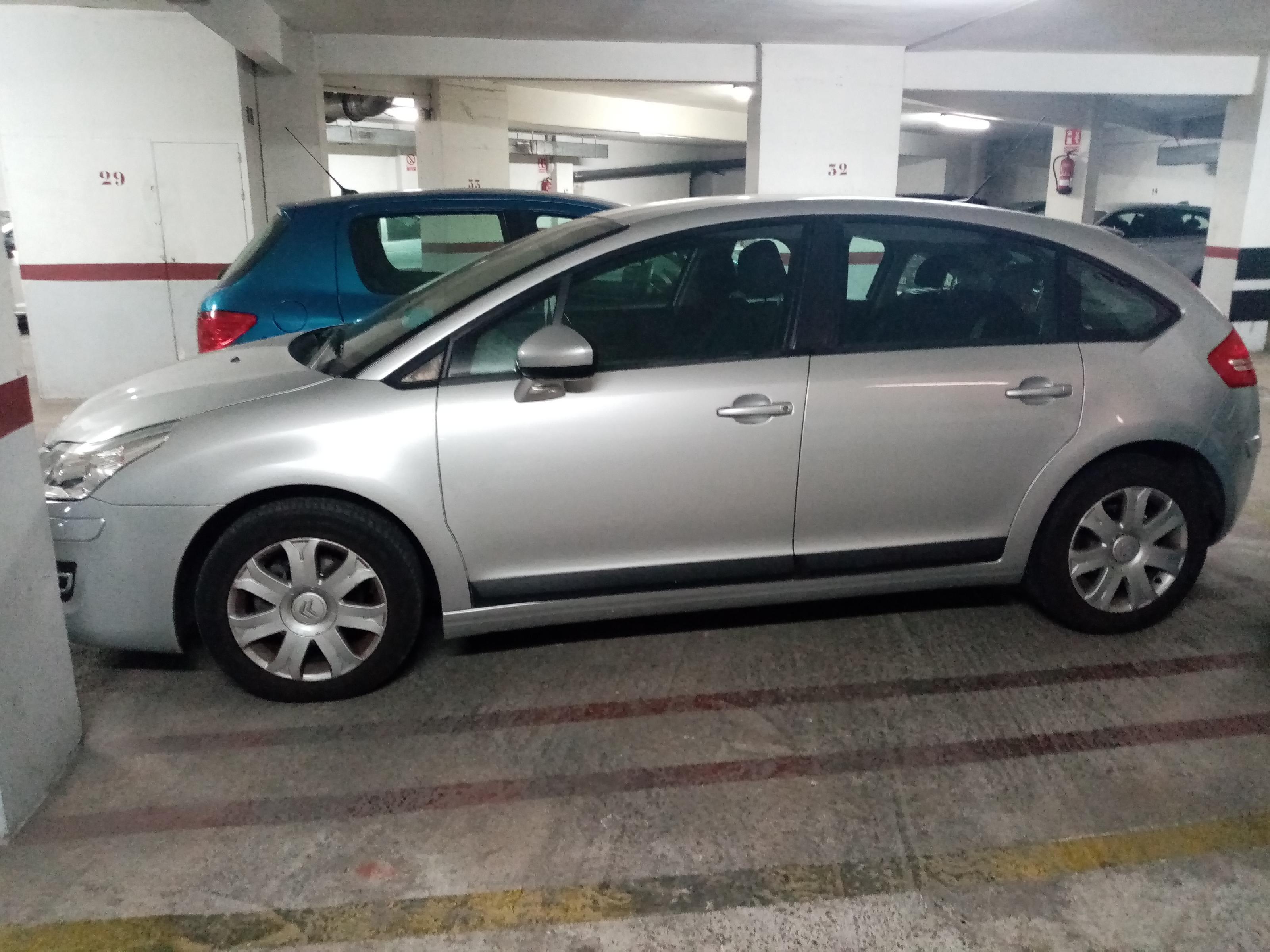 Imagen 4 Parking Coche en venta en Santa Coloma De Gramenet / Cerca del metro  plaza de parking par...