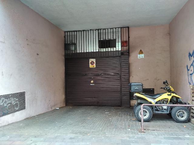 Imagen 1 Inmueble 242677 - Parking Coche en venta en Santa Coloma De Gramenet / Parking muy bien ubicado para coche  ...