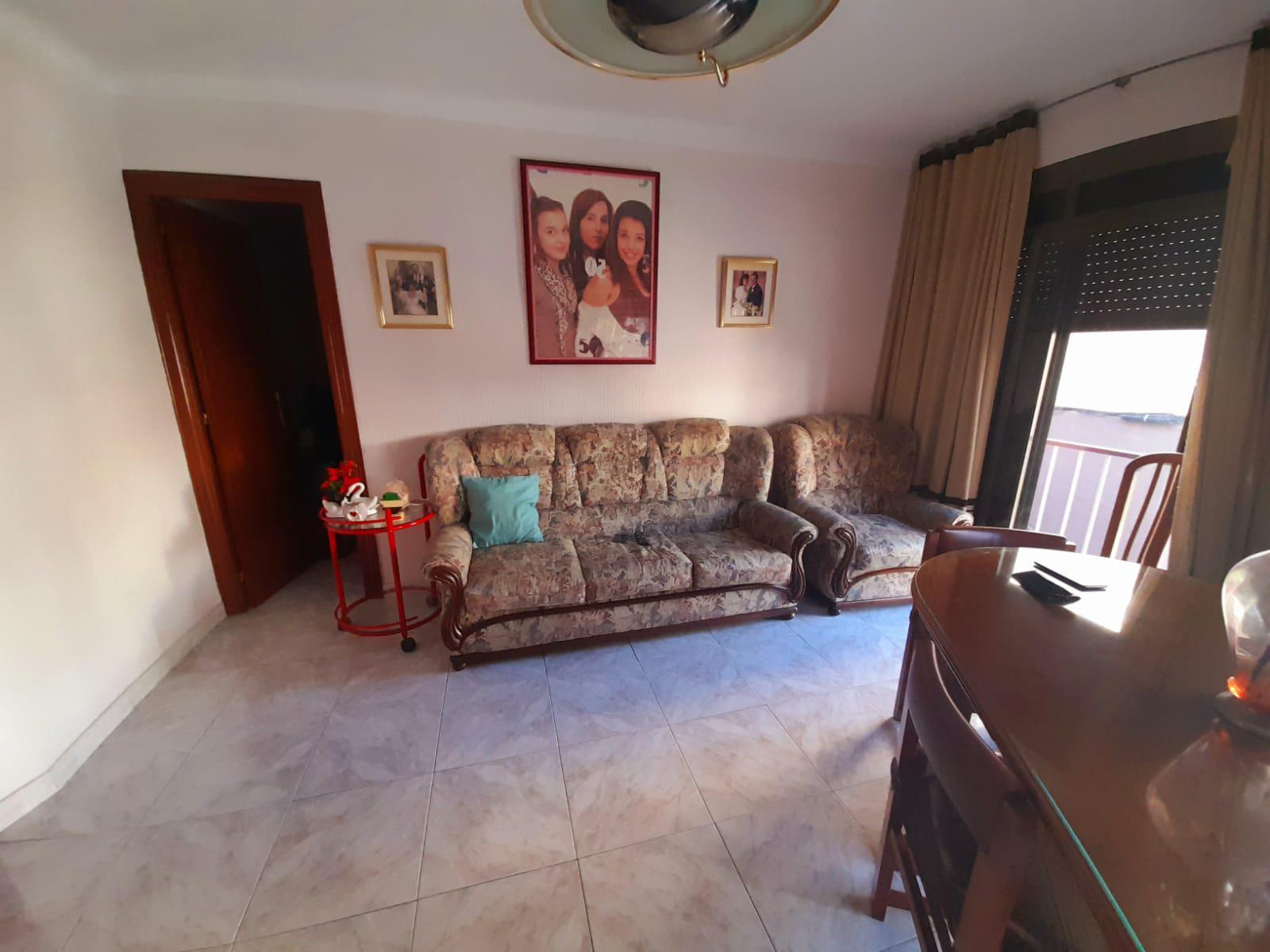 Imagen 1 Piso en venta en Santa Coloma De Gramenet / A 5 minutos del metro
