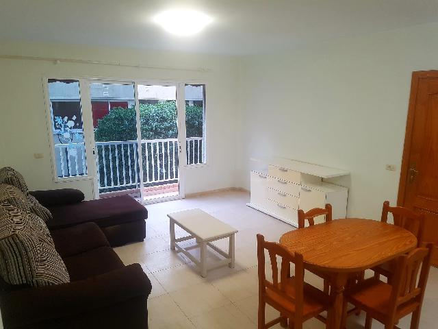 Imagen 1 Inmueble 237906 - Apartamento en alquiler en Santiago Del Teide / Piso céntrico y luminoso a 2 minutos de ce...