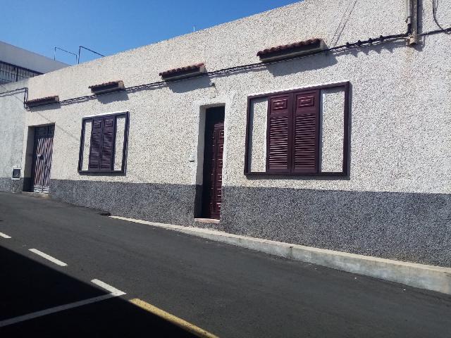 Imagen 1 Inmueble 242740 - Casa en venta en Santiago Del Teide / Cerca de la iglesia de Arguayo