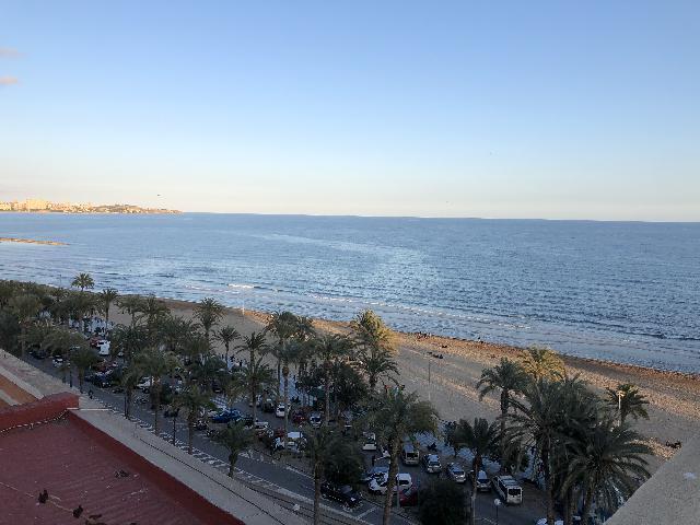 Imagen 1 Inmueble 238090 - Piso en venta en Alicante/alacant / Frente a la playa del Postiguet
