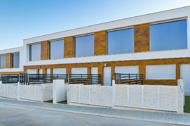 Imagen 1 Inmueble 239053 - Casa Adosada en venta en Santa Pola / Ubicada en Gran Alacant