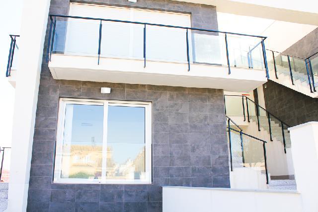 Imagen 1 Inmueble 239058 - Casa Adosada en venta en Santa Pola / Ubicada en Gran Alacant