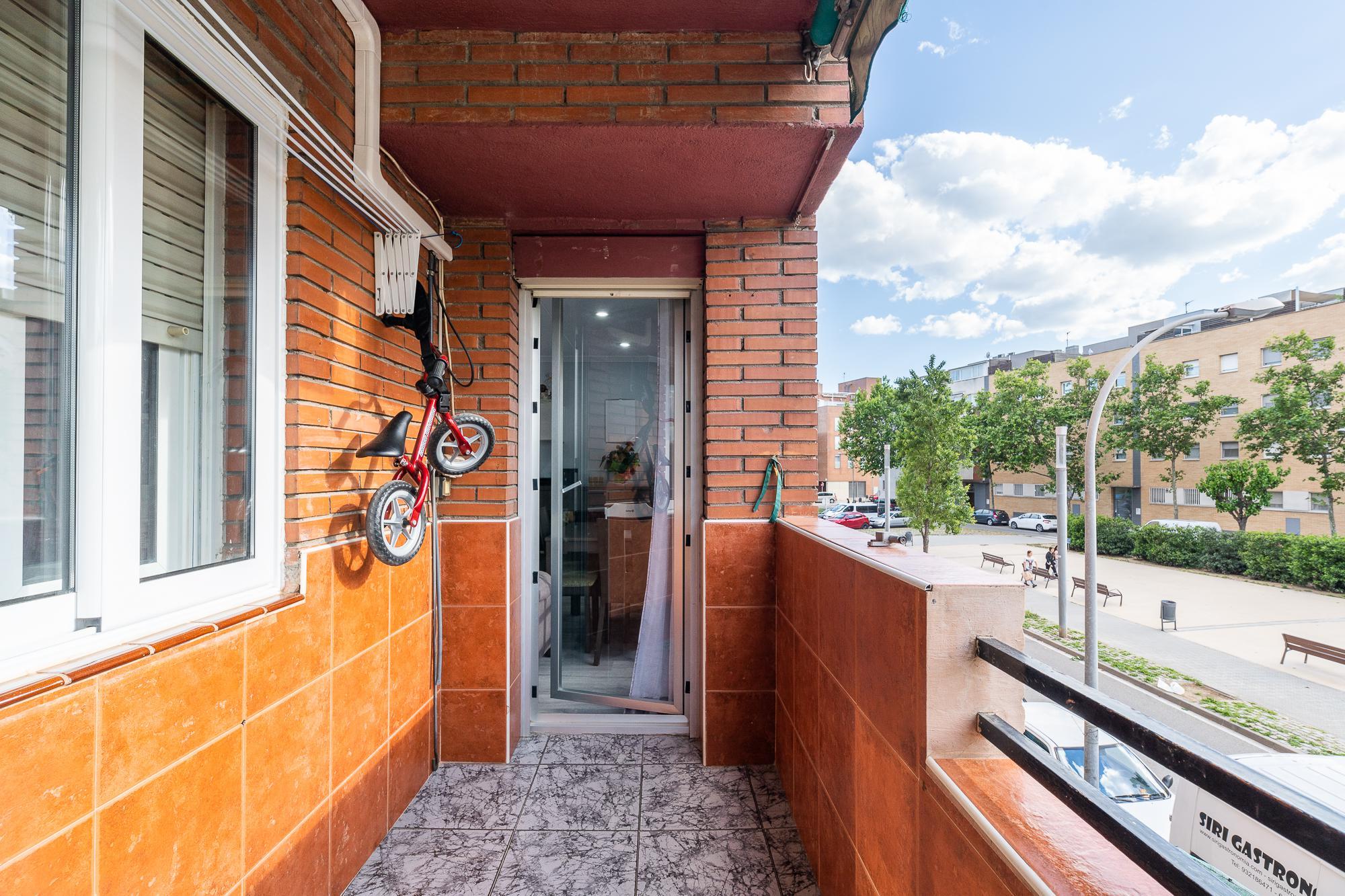 Imagen 2 Piso en venta en Prat De Llobregat El / Sagnier- Plaza Catalunya