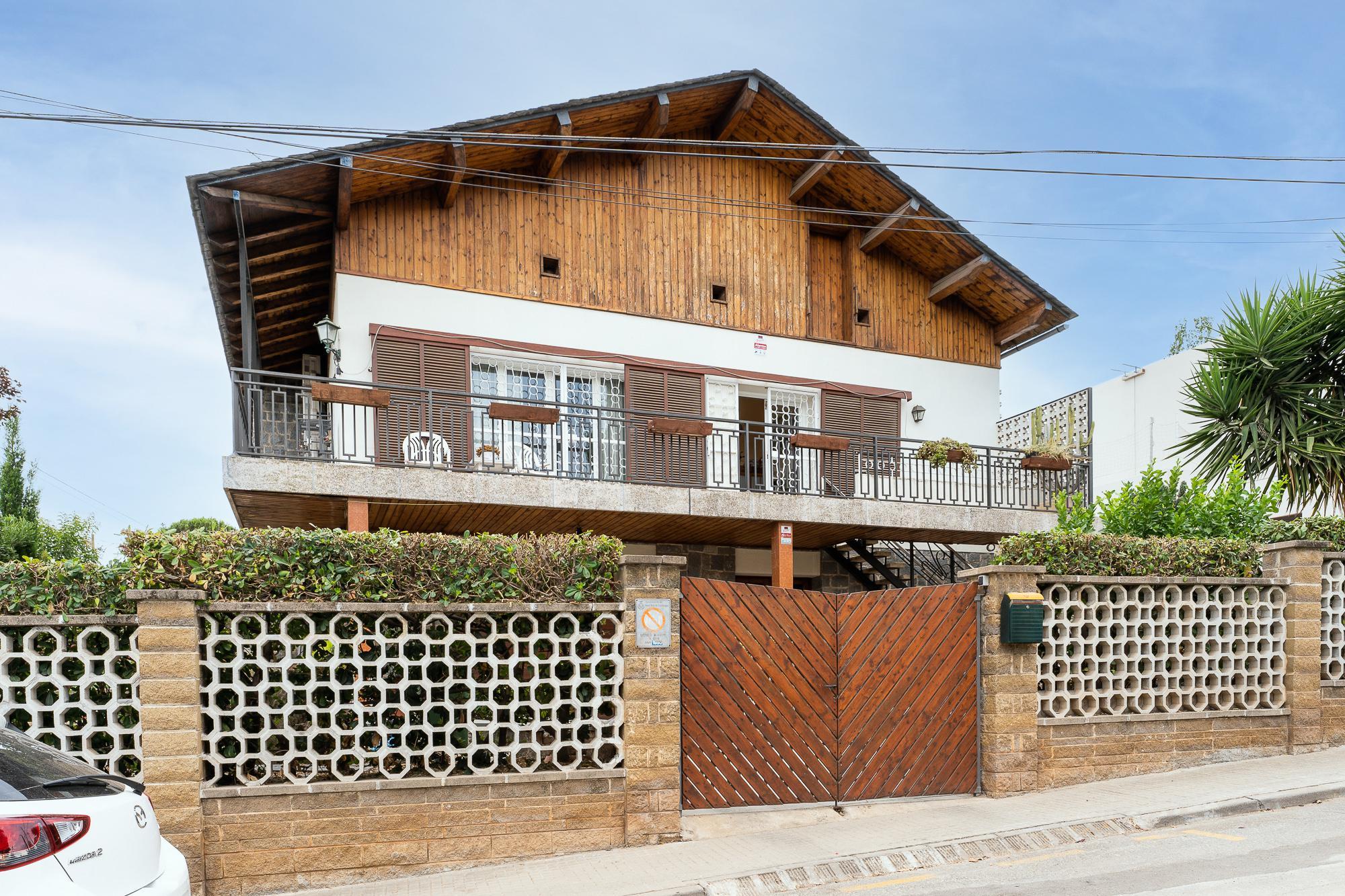 Imagen 3 Casa en venta en Sant Boi De Llobregat / Ronda Sant Ramon