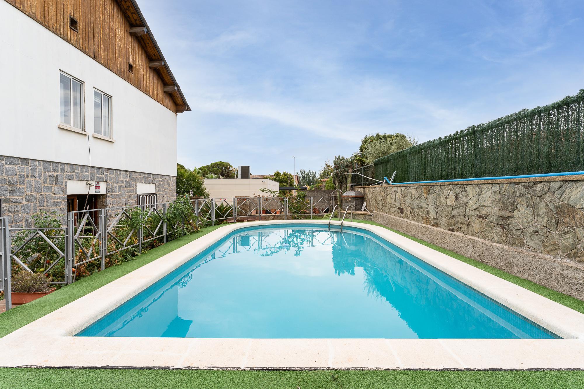 Imagen 2 Casa en venta en Sant Boi De Llobregat / Ronda Sant Ramon