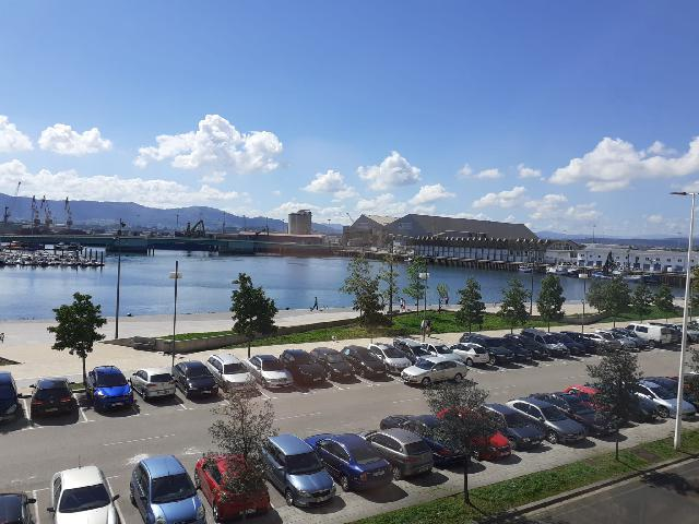 Imagen 1 Inmueble 241469 - Piso en venta en Santander / Frente al Puerto del Barrio Pesquero