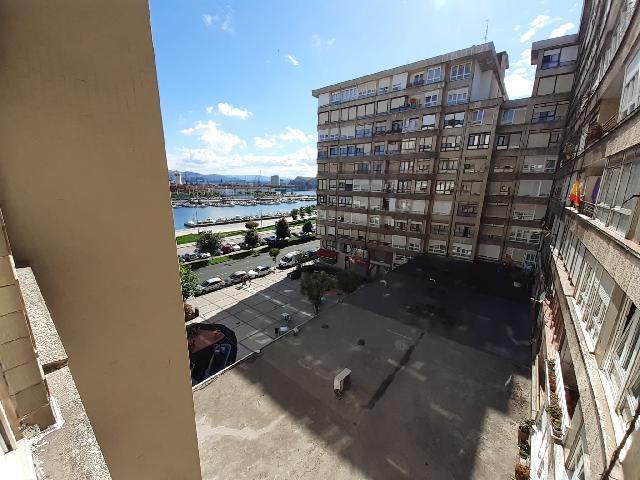 Imagen 1 Inmueble 242135 - Piso en alquiler en Santander / Entre el Liberbank y el Banco Santander