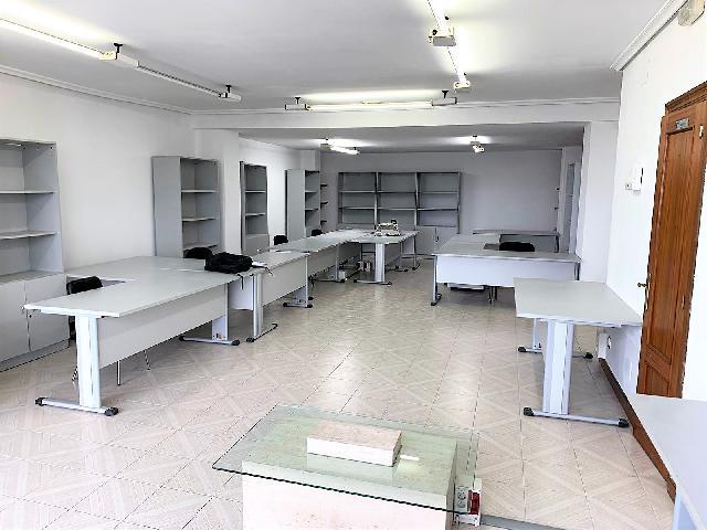 Imagen 1 Inmueble 247200 - Local Comercial en alquiler en Santander / Próximo al Insttituto José Mª Pereda