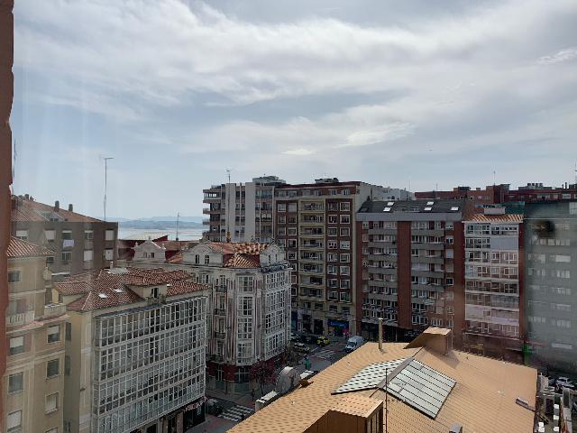Imagen 1 Inmueble 248709 - Piso en alquiler en Santander / En el centro junto a las estaciones.