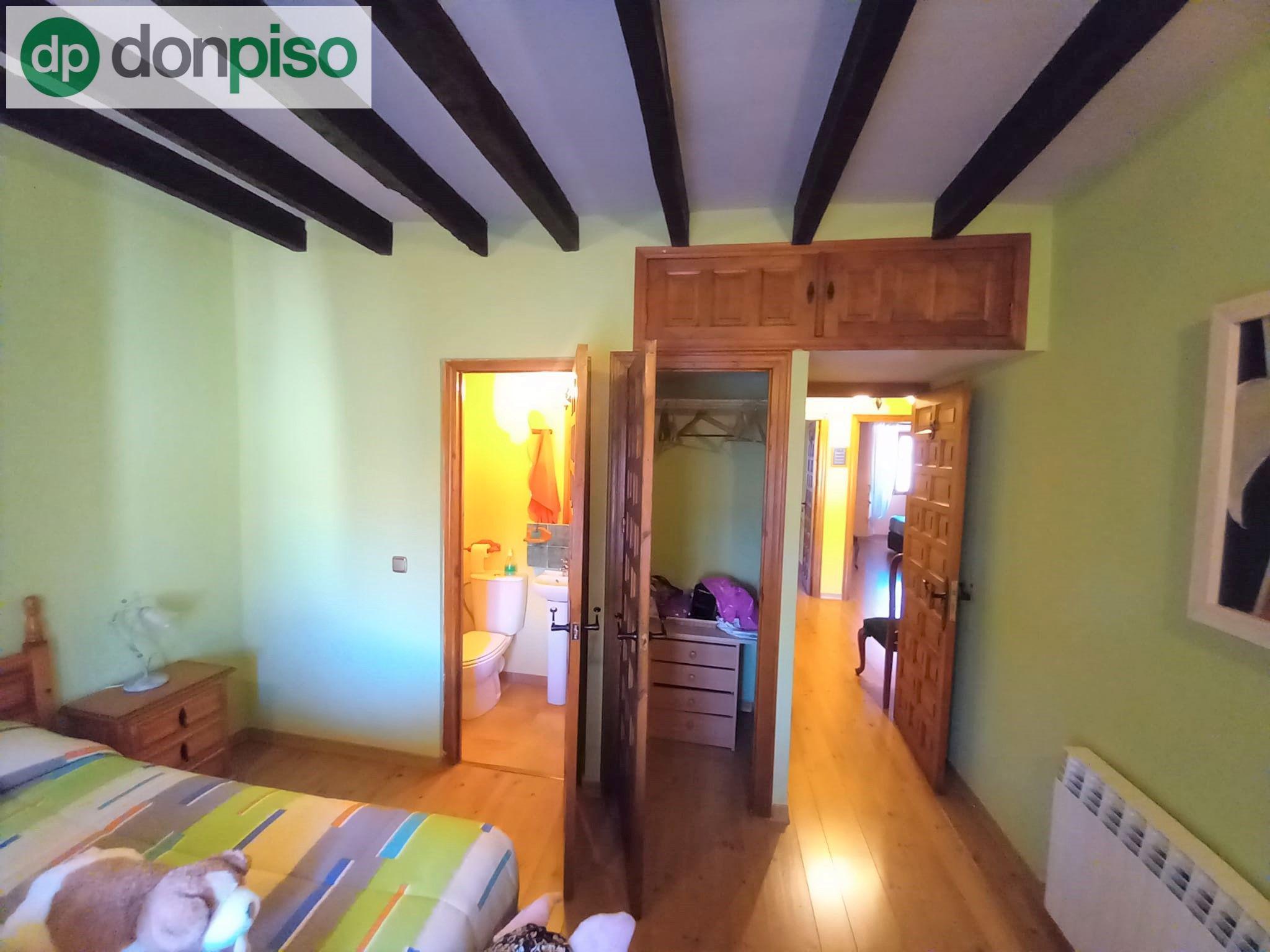 Imagen 2 Casa Adosada en venta en Quintanillas Las / A pocos minutos de la ciudad de Burgos