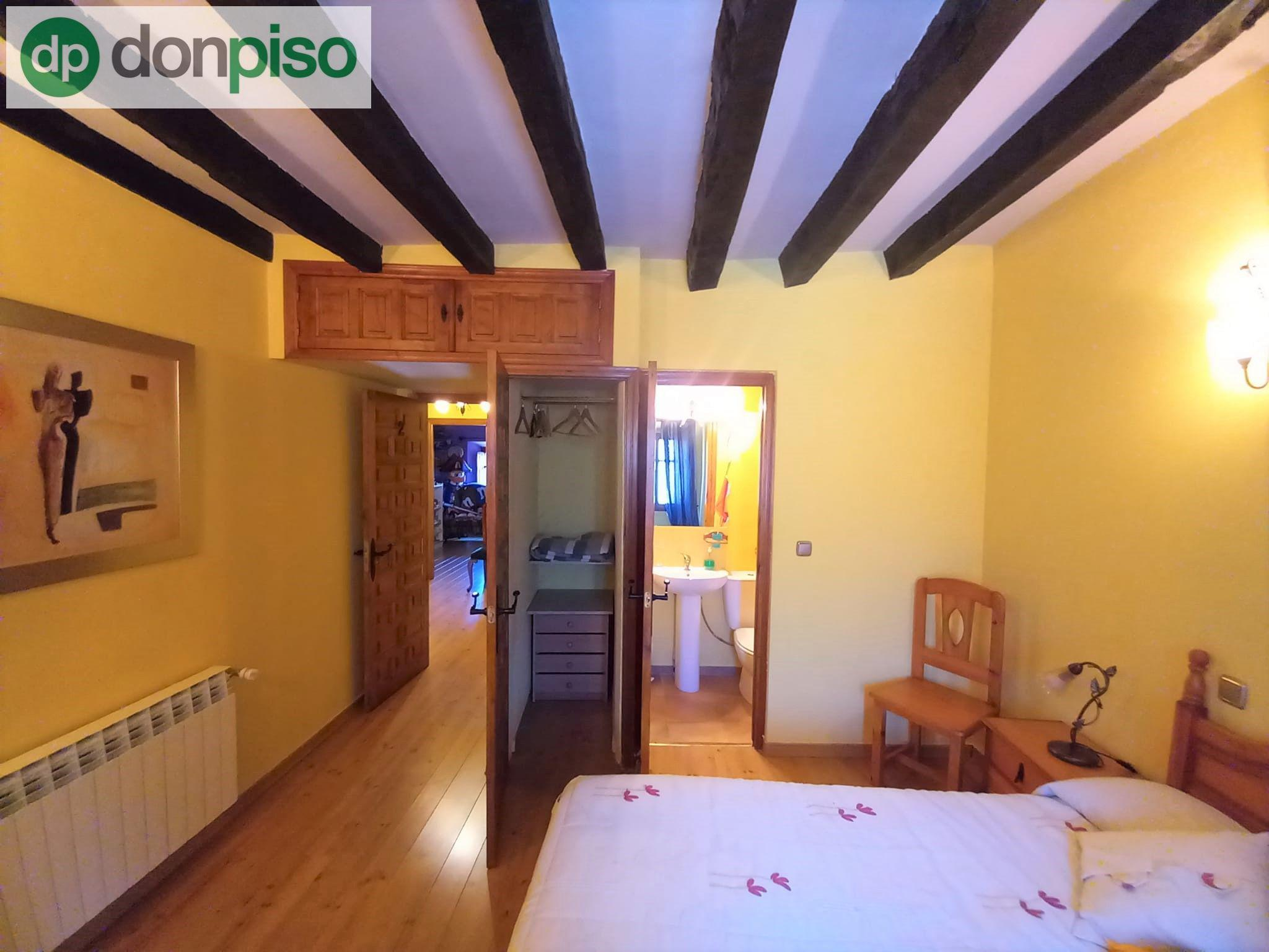Imagen 3 Casa Adosada en venta en Quintanillas Las / A pocos minutos de la ciudad de Burgos