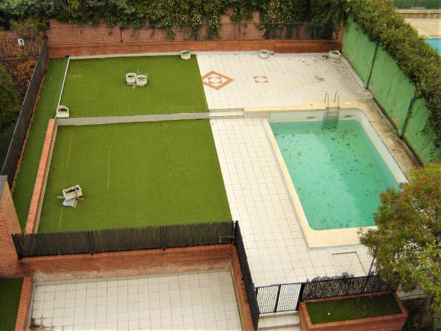 Imagen 1 Inmueble 245048 - Piso en venta en Madrid / Cerca centro comercial Arturo Soria plaza y hospital.