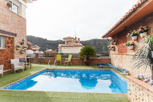 Imagen 1 Inmueble 246704 - Casa Pareada en venta en Granada / Ctra Sierra Nevada