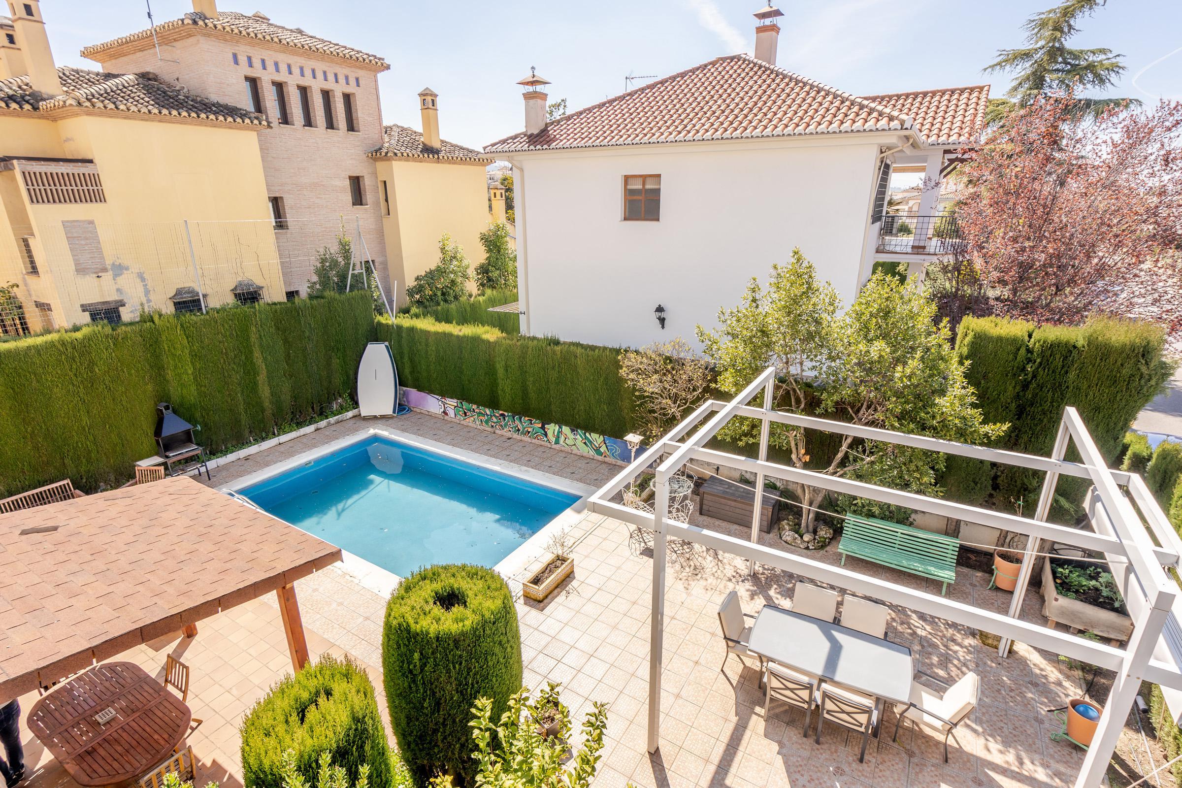 Imagen 2 Casa Aislada en venta en Cájar / Cerca de Mercadona.