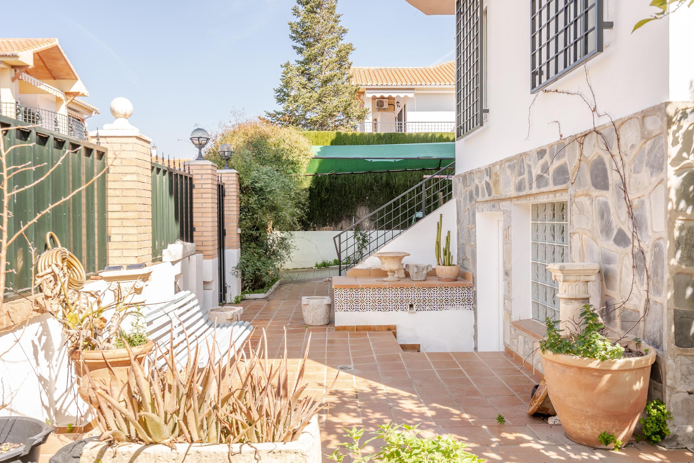 Imagen 4 Casa Aislada en venta en Cájar / Cerca de Mercadona.