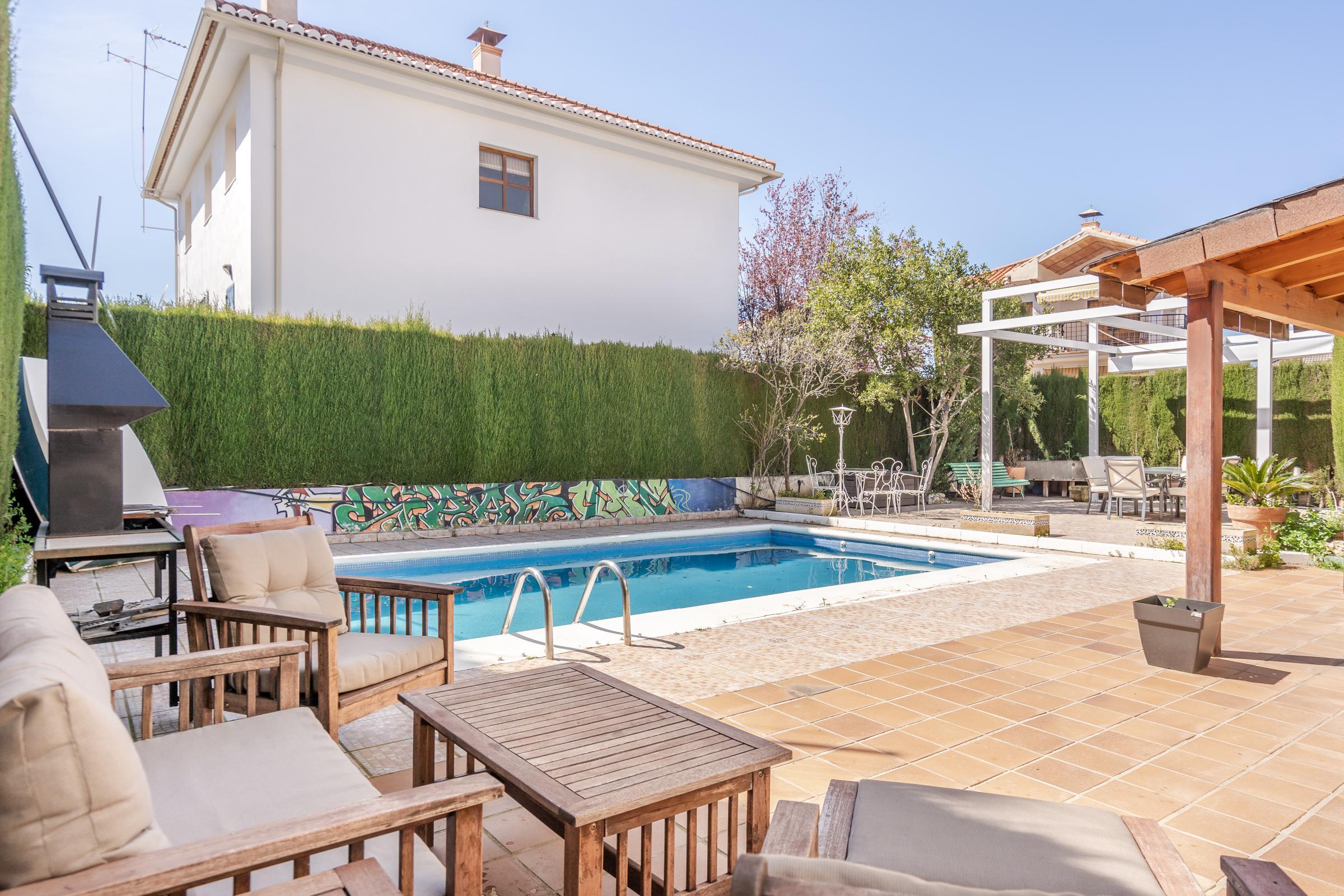 Imagen 3 Casa Aislada en venta en Cájar / Cerca de Mercadona.
