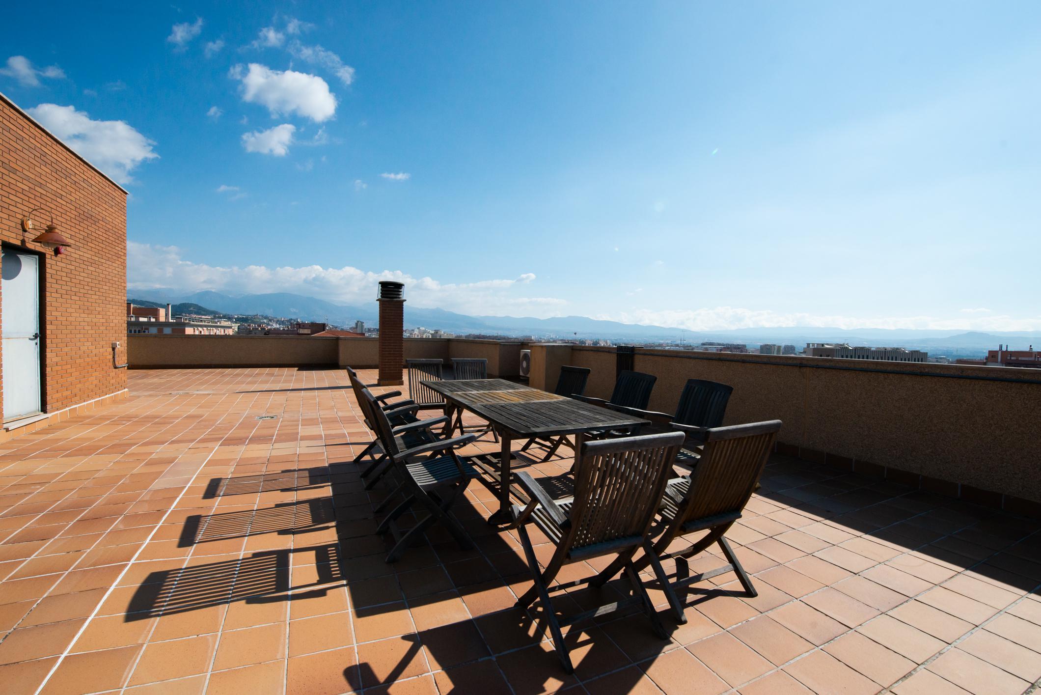 Imagen 1 Ático en venta en Granada / Zona Parque Almunia