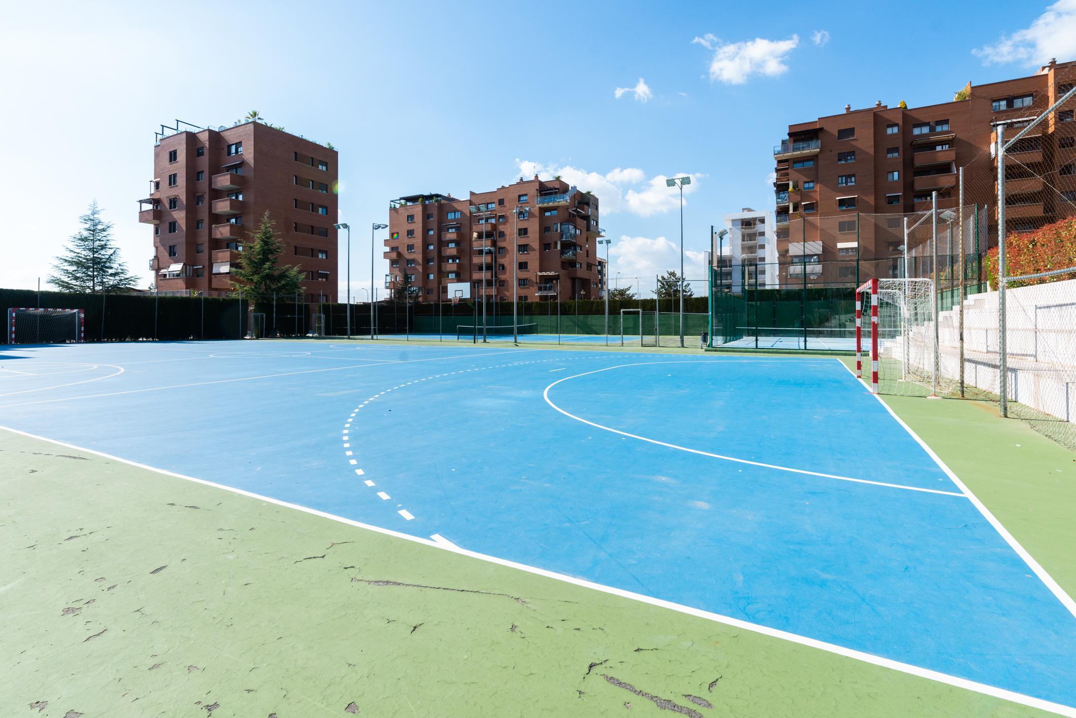 Imagen 4 Ático en venta en Granada / Zona Parque Almunia