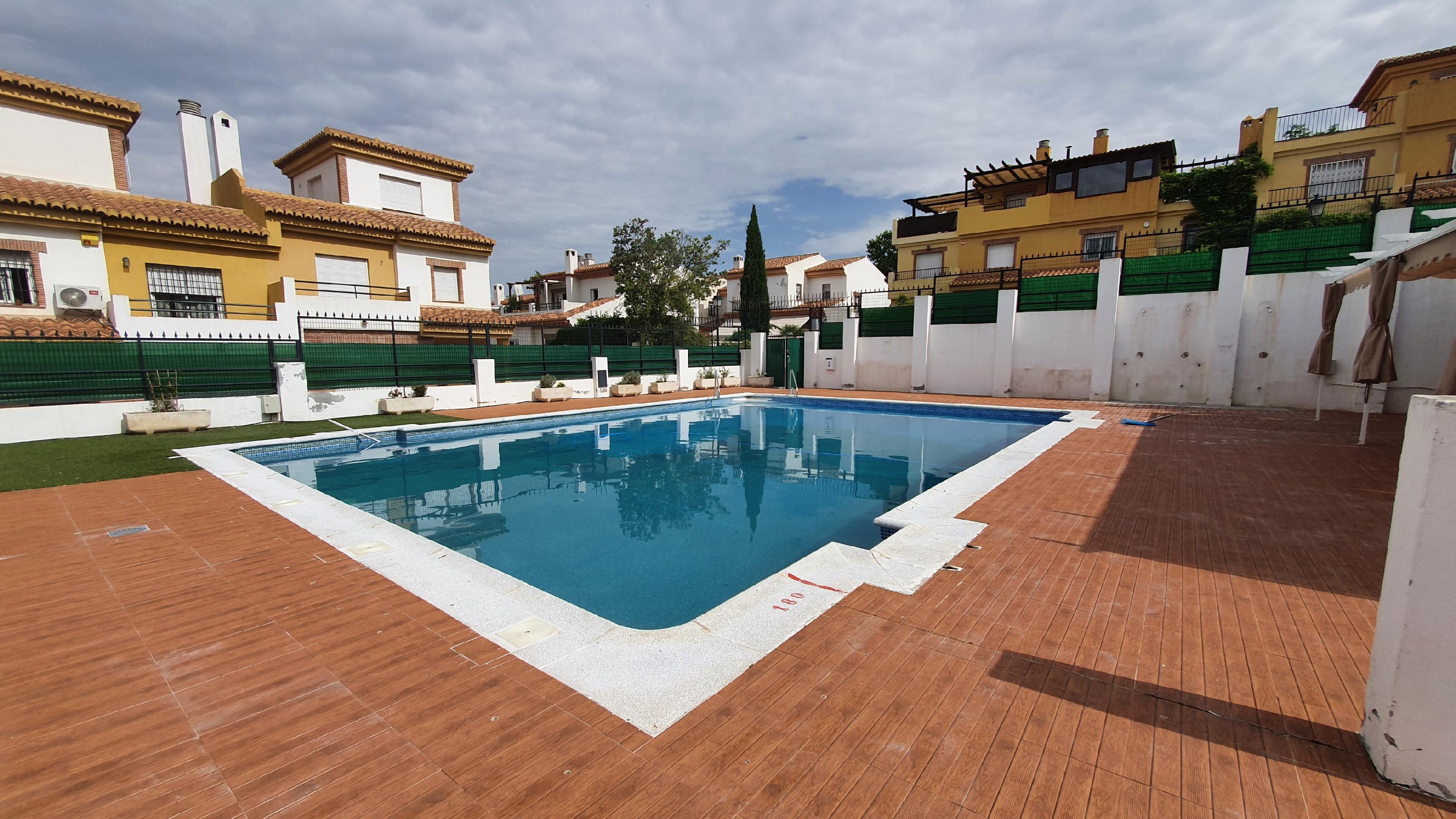 Imagen 1 Casa Adosada en alquiler en Granada / Zona alta del Albayzín.