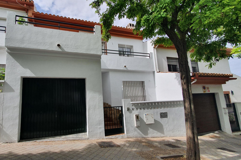 Imagen 3 Casa Adosada en alquiler en Granada / Zona alta del Albayzín.
