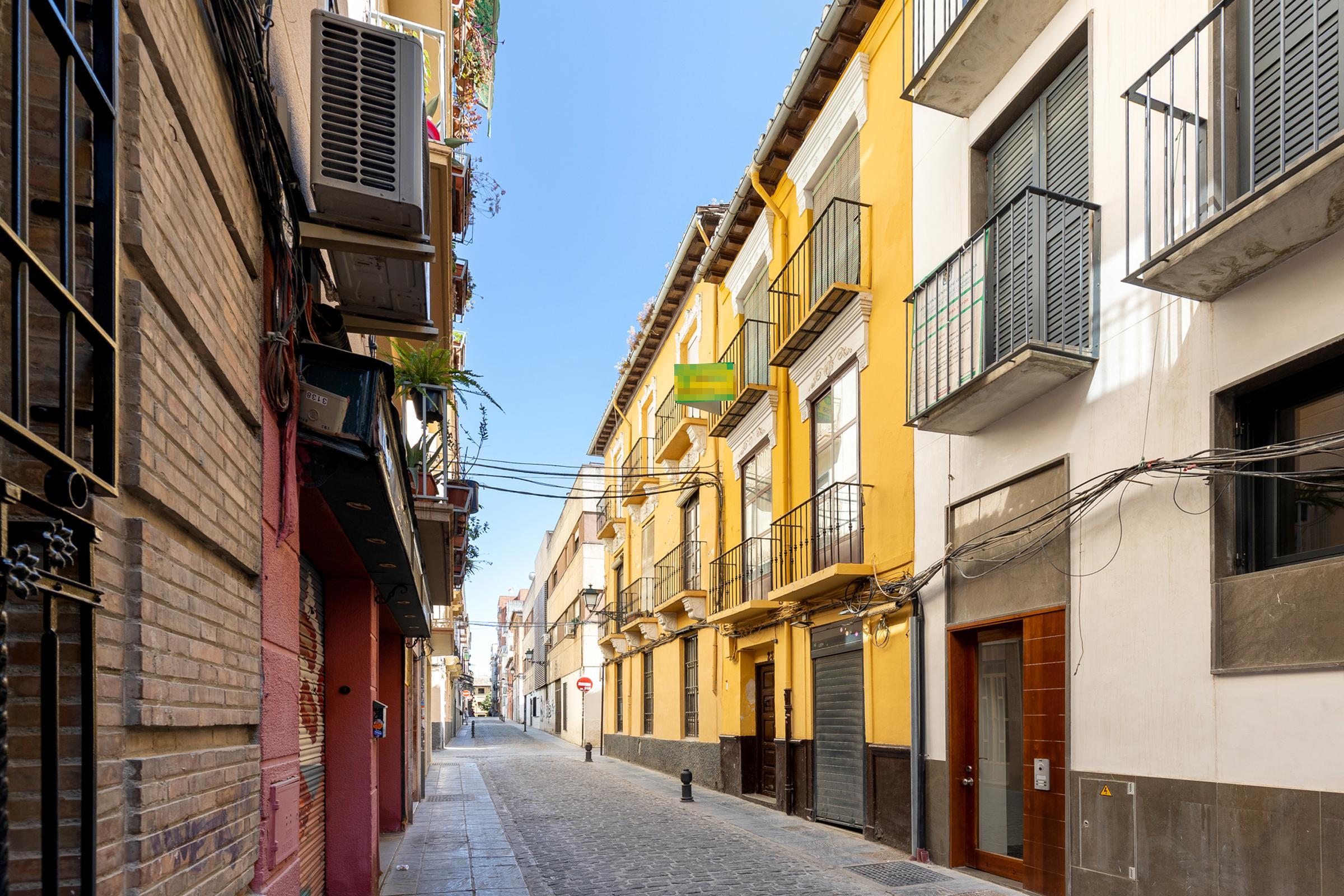 Imagen 3 Piso en venta en Granada / Calle Las Tablas