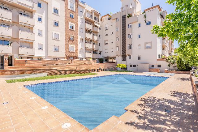 Imagen 1 Inmueble 249589 - Piso en venta en Granada / Zona Parque Almunia