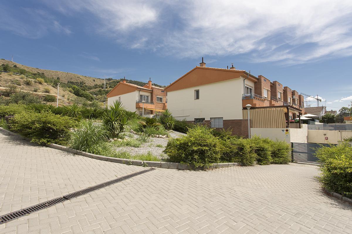 Imagen 3 Casa Adosada en venta en Granada / Cerca Lancha del Genil