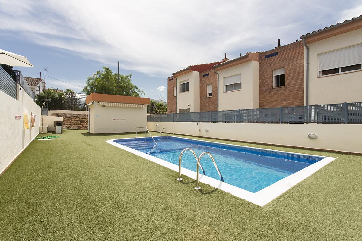 Imagen 1 Casa Adosada en venta en Granada / Cerca Lancha del Genil