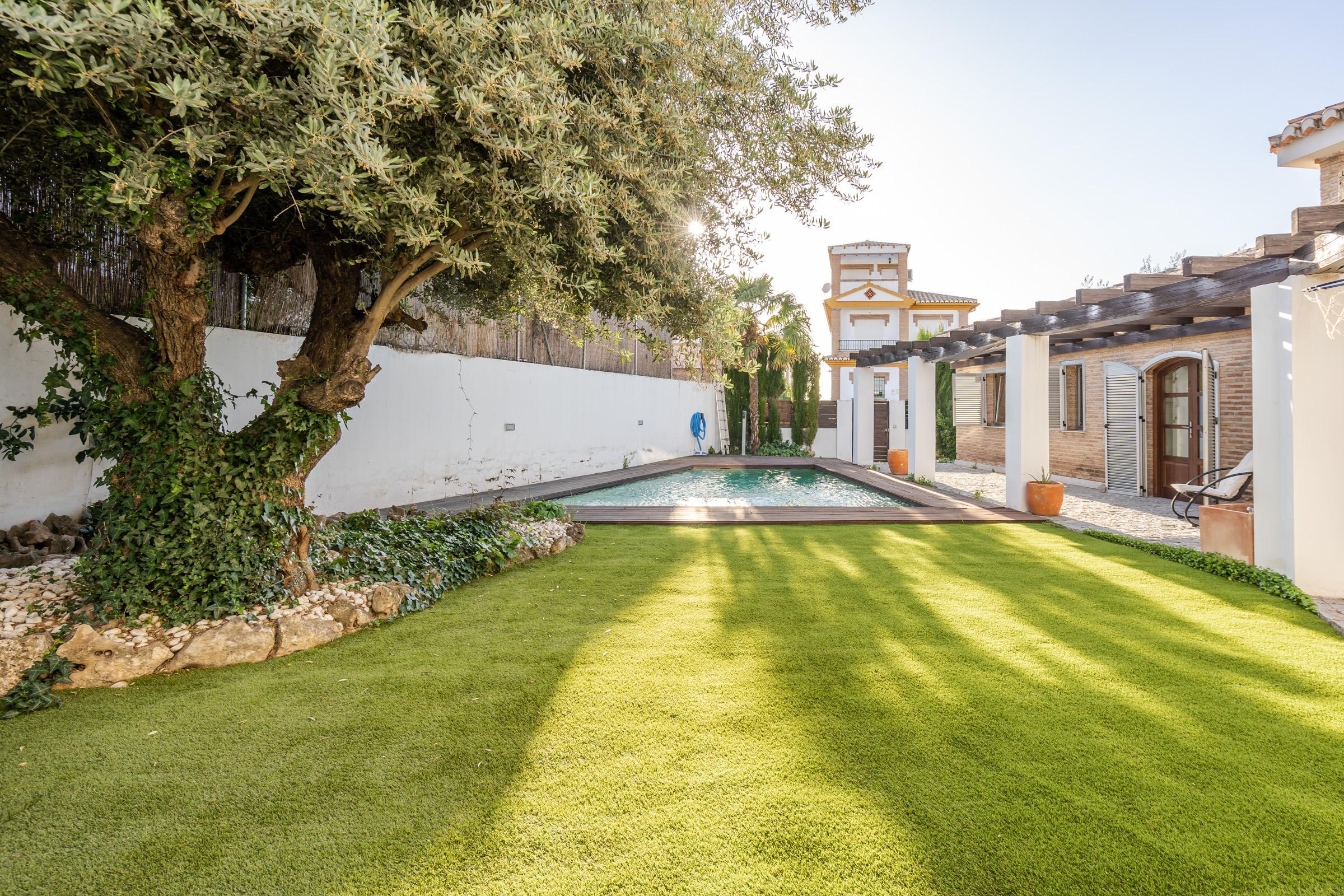Imagen 4 Casa Aislada en venta en Cájar / Cerca Colegio Lux Mundi