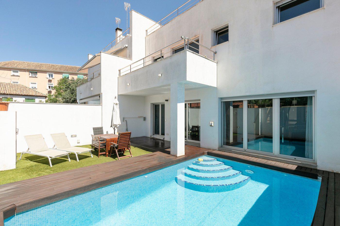 Imagen 1 Casa Pareada en venta en Granada / Junto Paseo de la Bomba