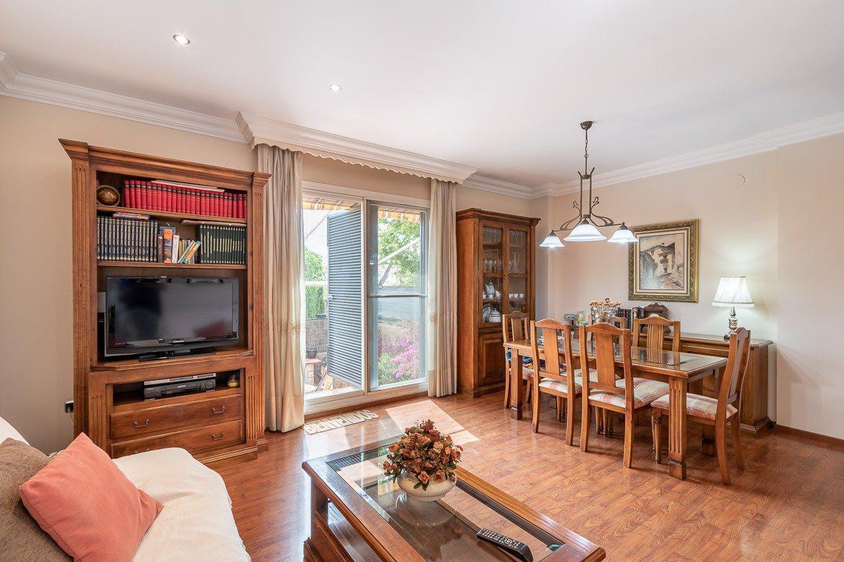 Imagen 3 Casa Pareada en venta en Granada / Zona Parque Almunia