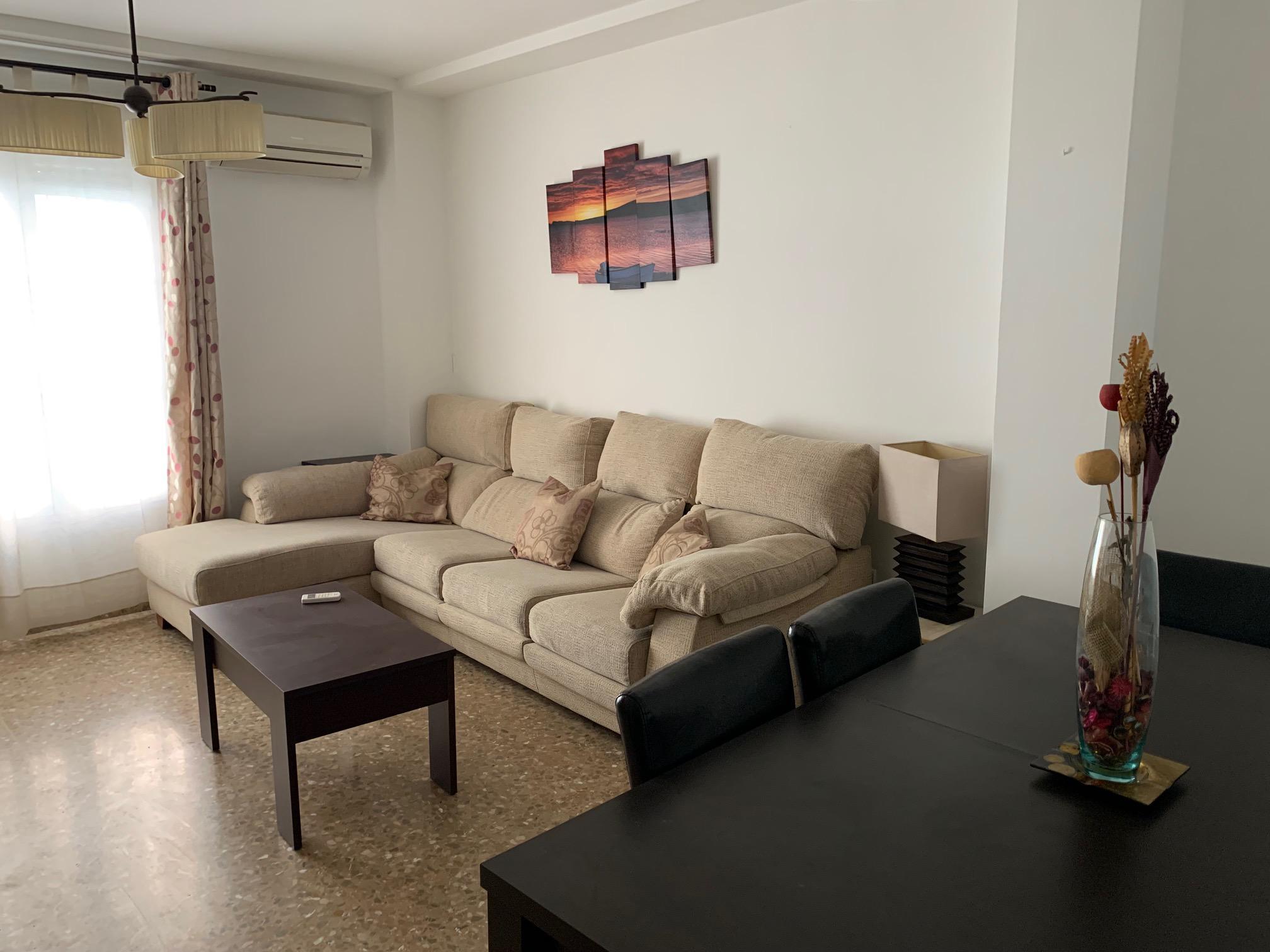 Imagen 4 Casa Adosada en alquiler en Granada / Frente a Farmacia Santa María 24H