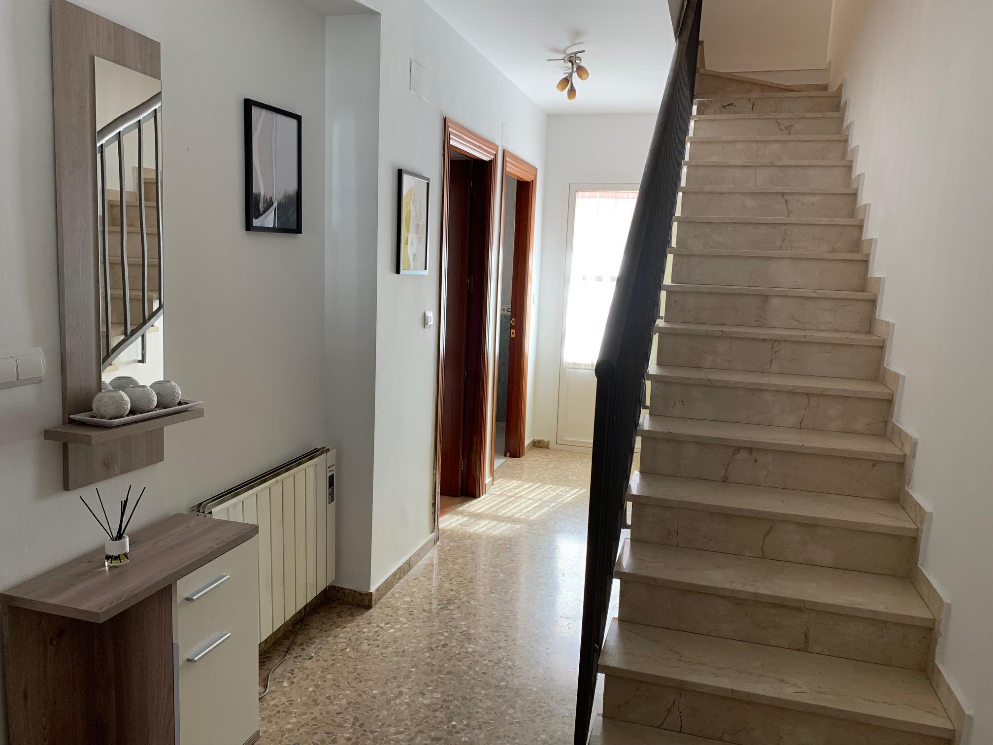 Imagen 2 Casa Adosada en alquiler en Granada / Frente a Farmacia Santa María 24H