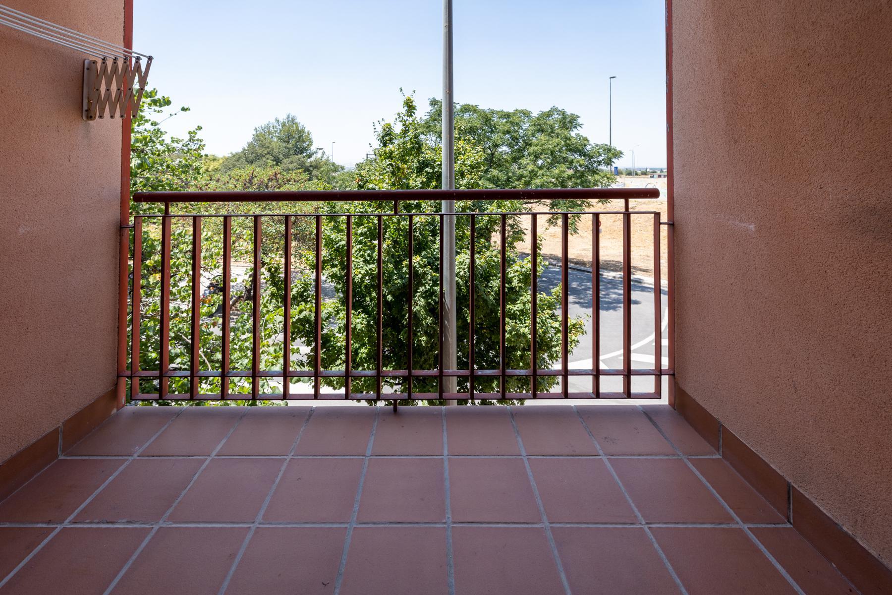 Imagen 3 Piso en venta en Granada / Zona Parque Almunia